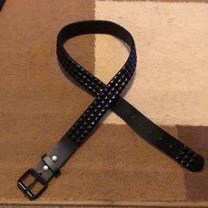 Really nice studded belt. Punk style belt.